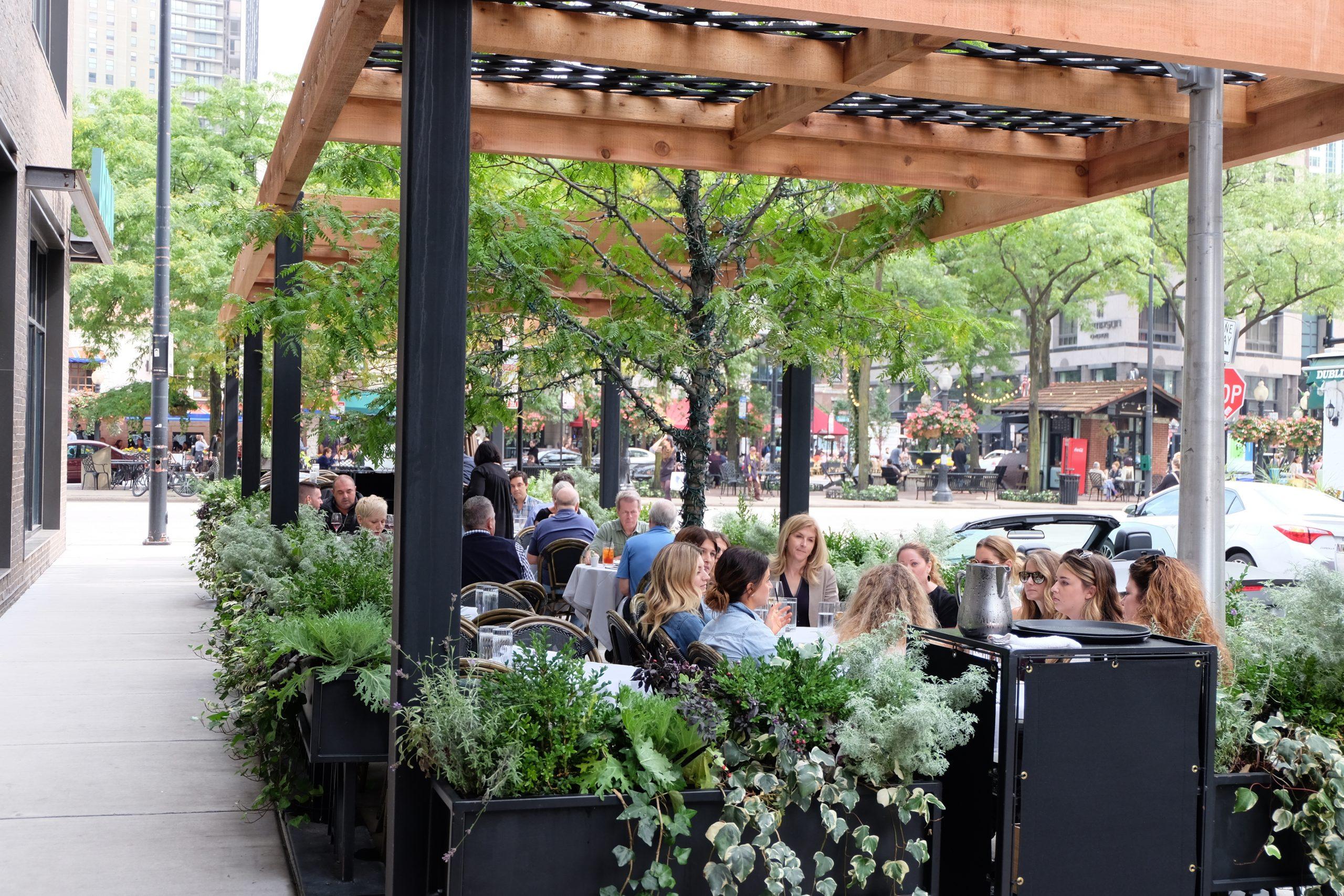 mapleandash-chicago_patio